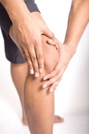 Fort Wayne chiropractic care for knee pain and muscle strain